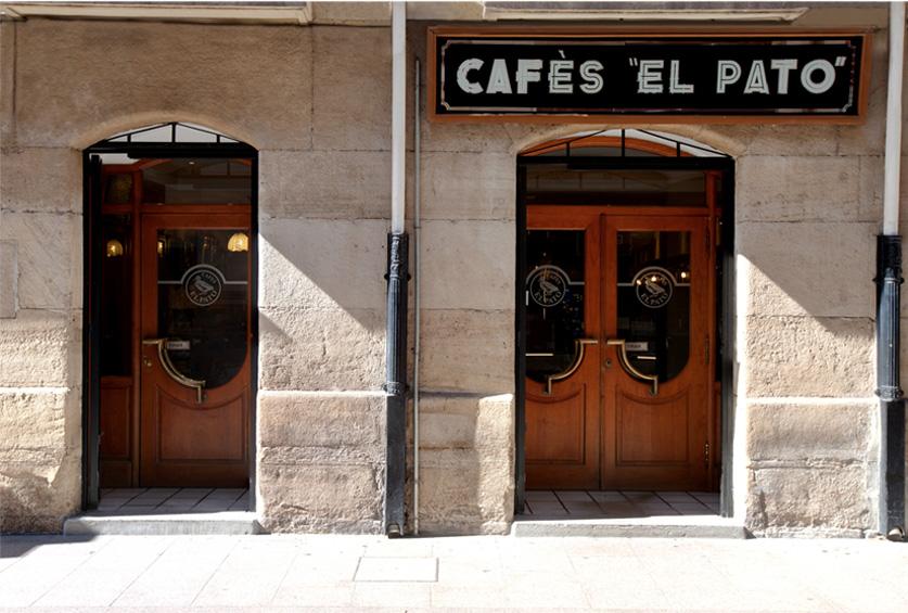 Fachada de cafés El Pato